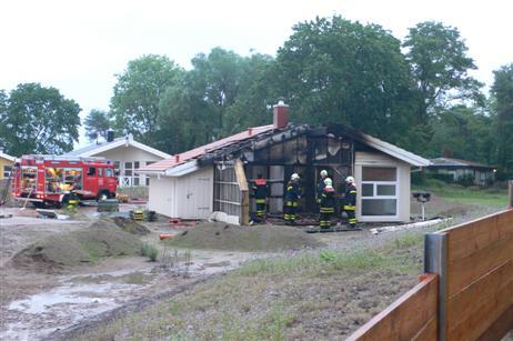 Wieder wurde ein Ferienhaus zerstört. Foto: KARL ERHARD VÖGELE