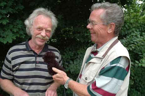 Rudi Lichtenhagen (rechts) interviewte Eckhard Erdmann. Foto: <b>TA</b>