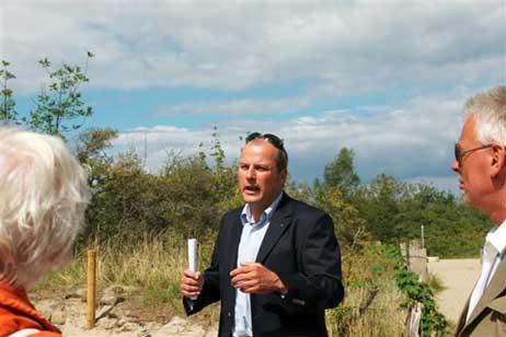 Kurdirektor Uwe Kirchhoff begrüßte die Gäste. Alle Fotos: <b>KARL ERHARD VÖGELE</b>