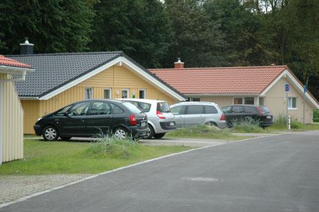 Die 2008 fertiggestellten Häuser sind schon gut belegt, wie man an den parkenden Autos sieht. Foto: <b>TA</b>