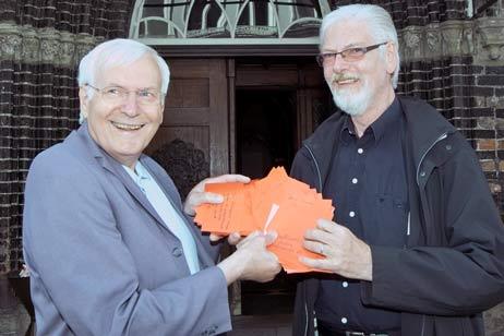 Pech für Wolfgang Hovestädt (links) und Alf Götting: Der Bürgermeister ist noch krank geschrieben. Foto: <b>JW</b>