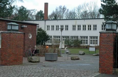 Was wird aus dem ehemaligen Priwall-Krankenhaus? Zur Zeit wird das Gebäude nur von Fledermäusen genutzt. Foto: <b>ARCHIV TA</b>