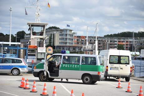 Polizeieinsatz an der Priwallfähre. Foto: <b>TA</b>