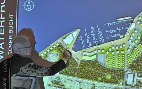 Im Oktober 2010 war Projektplaner Sven Hollesen noch dafür eingetreten, dass Spaziergänger hinter dem geplanten 4-Sterne-Hotel entlanglaufen. Foto: <b>ARCHIV TA</b>
