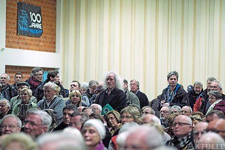 Mehr als 300 Bürger nahmen an der Präsentation teil. Fotos: <b>KARL ERHARD VÖGELE</b>