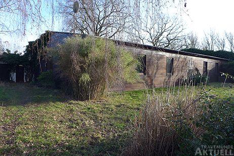 Der Wirtschafts- und Kurbetriebsausschuss stimmte dem Verkauf des Geländes im Fliegerweg zu. Das Gebäude gilt als abbruchreif. Fotos: <b>KARL ERHARD VÖGELE</b>