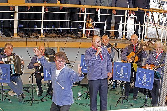 Christian Naß singt Santiano, ein Seemannslied