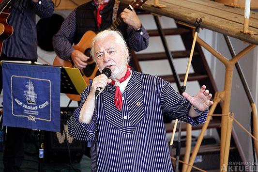 Przemek Salay singt Fiddler's Green